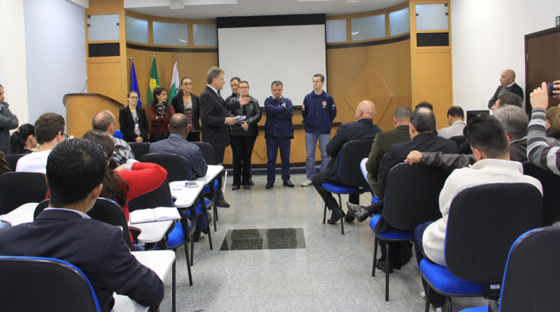 Secretaria de saúde explica bloqueio do pronto socorro do Hospital São José aos vereadores