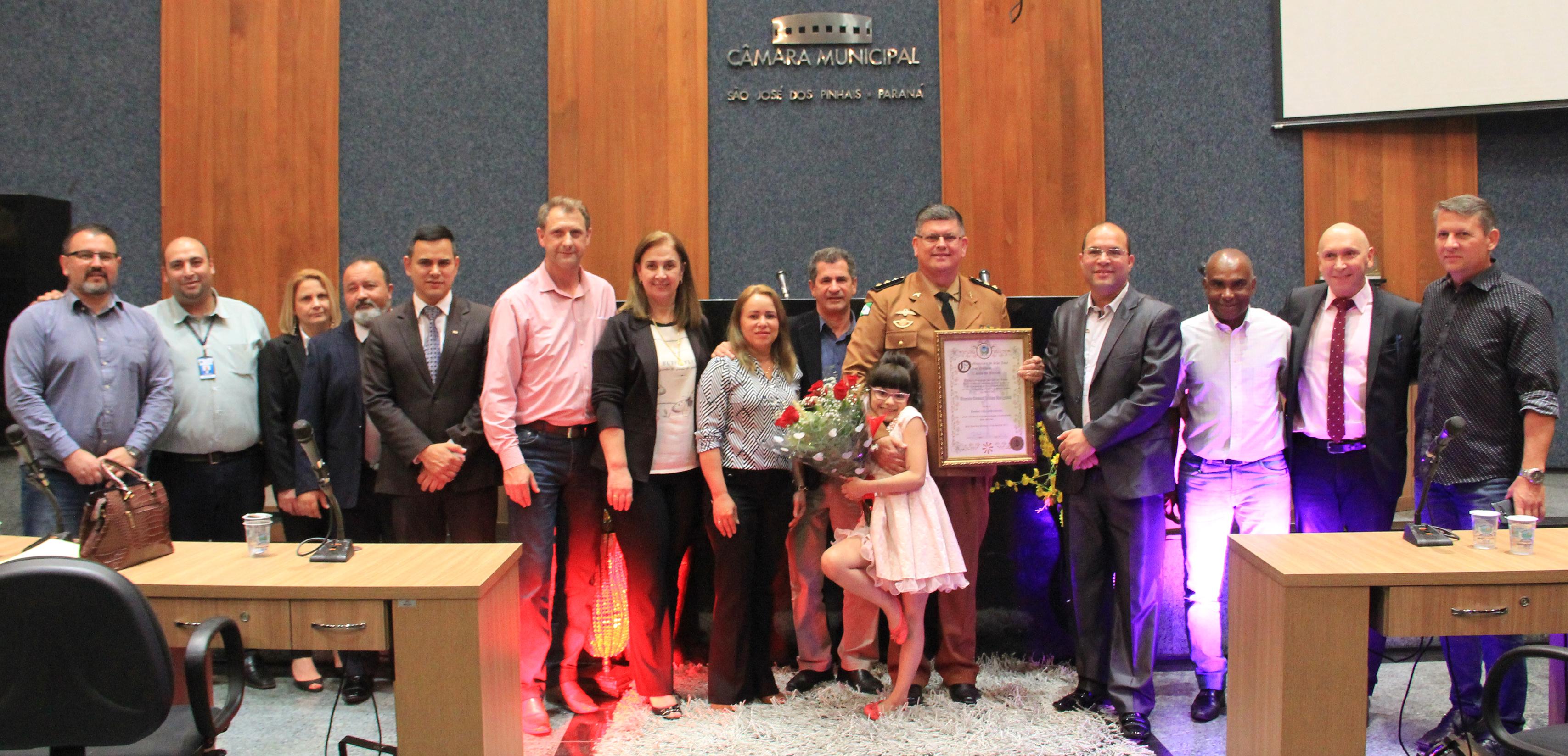 Comandante do 17º Batalhão de Polícia Militar é homenageado pela Câmara Municipal
