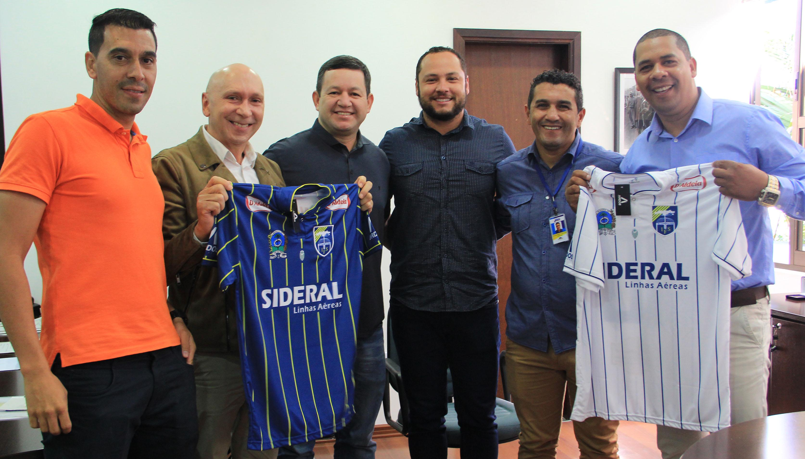 Câmara recebe representantes da equipe de futebol São-joseense
