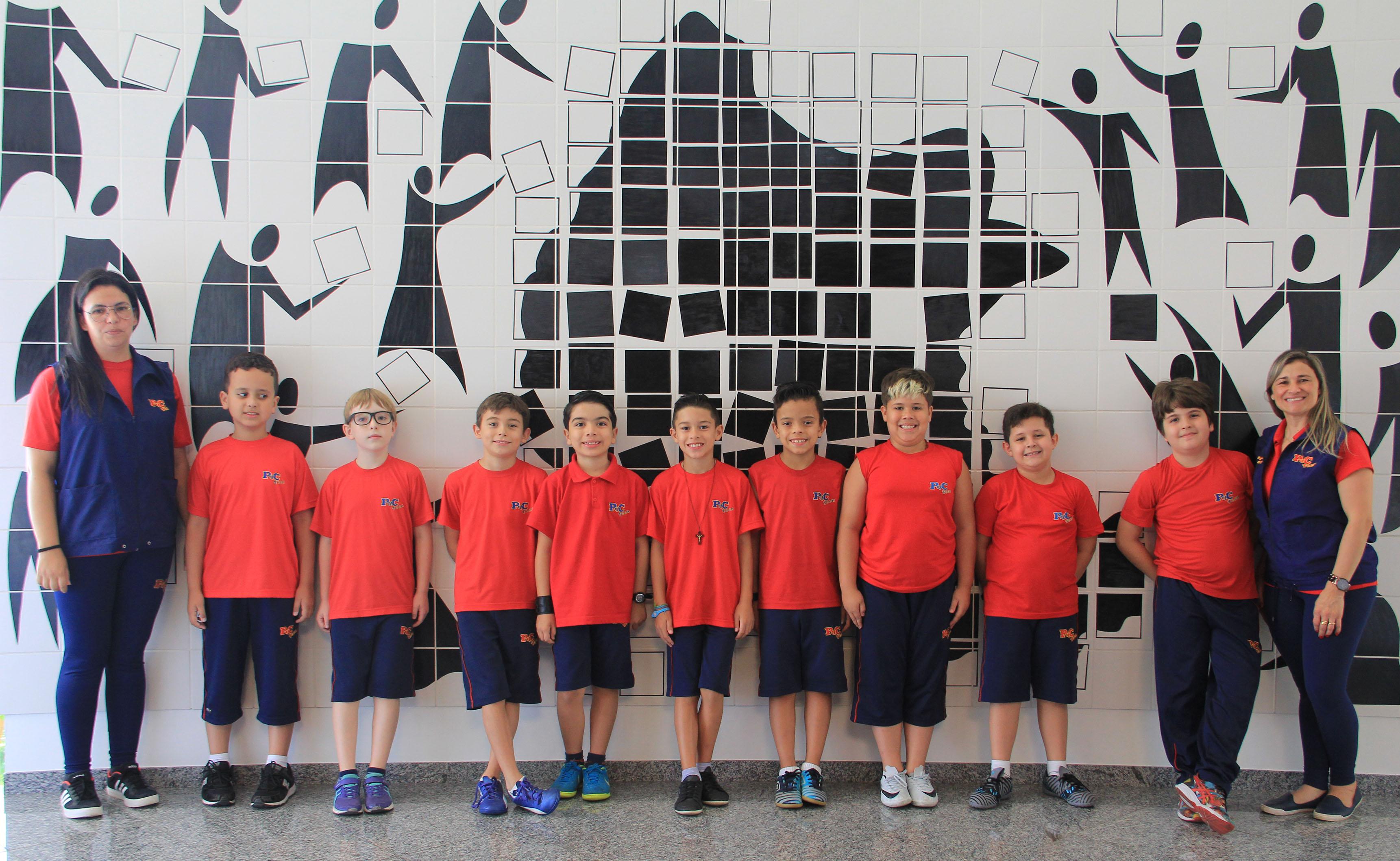 Alunos da Escola Pedacinho do Céu Teens visitam a Câmara Municipal