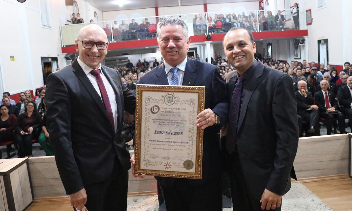 Pastor Irineu Rodrigues recebe Título de Cidadão Honorário de São José dos Pinhais