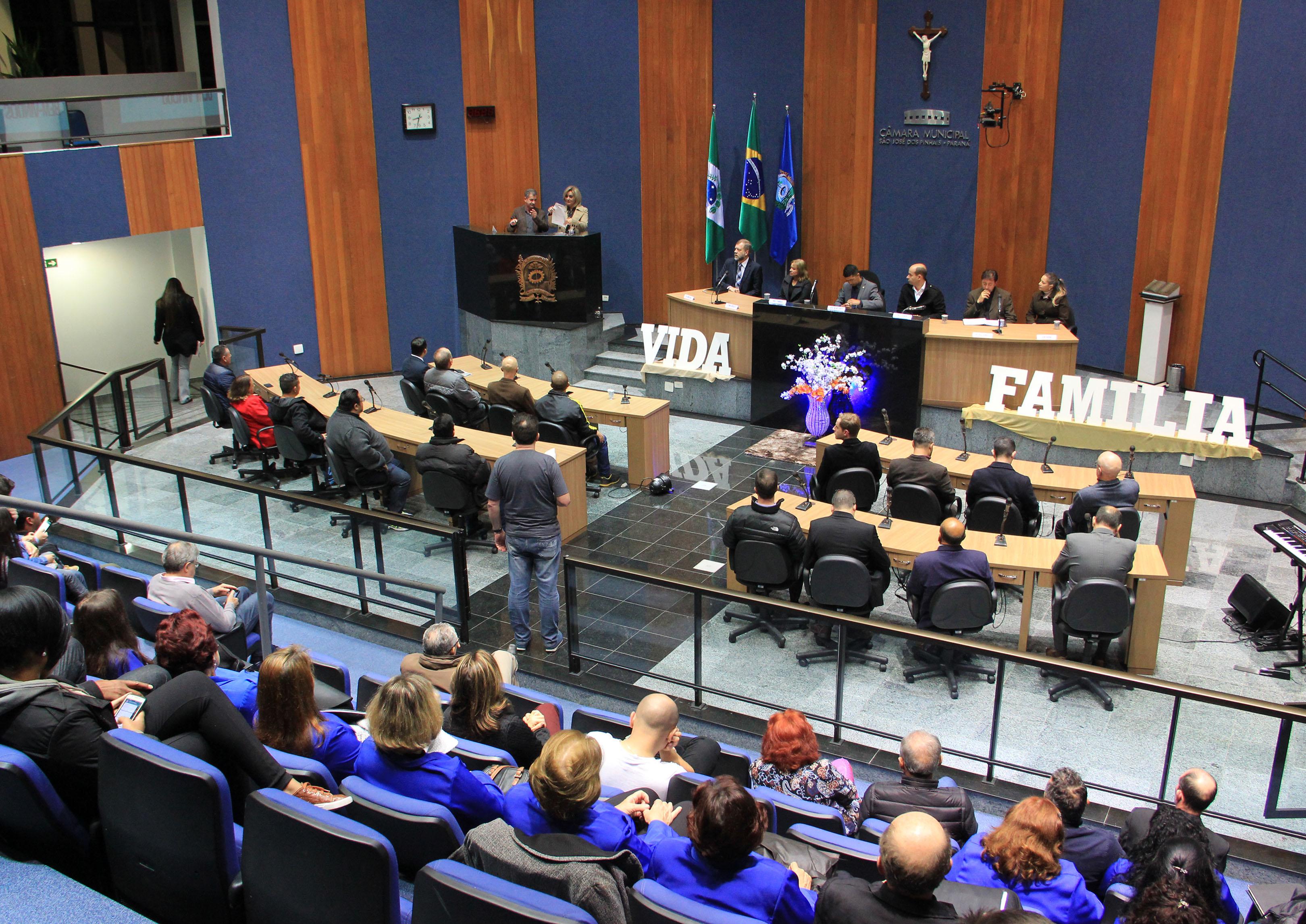 Abertura da Semana de Valorização da Vida e da Família é realizada na Câmara Municipal