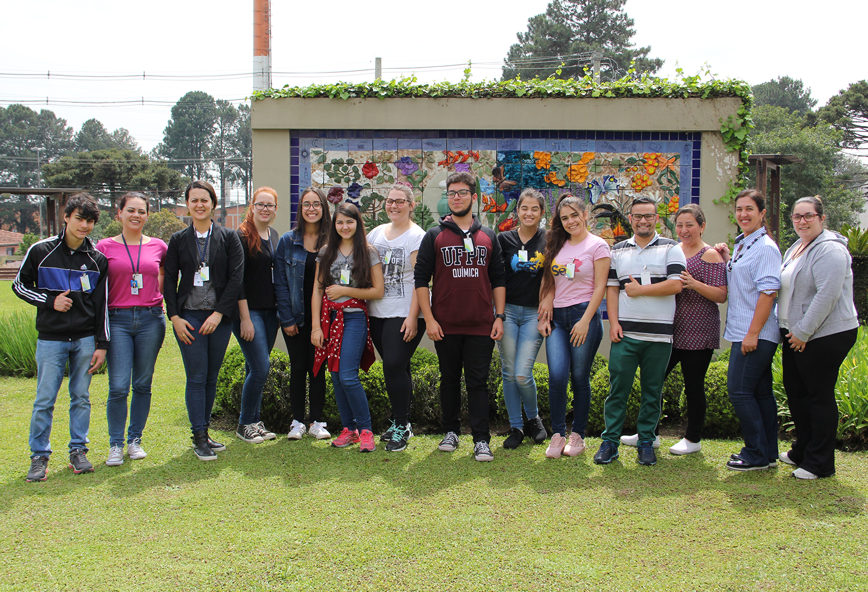 Vereadores Mirins visitam fábrica do Grupo Boticário