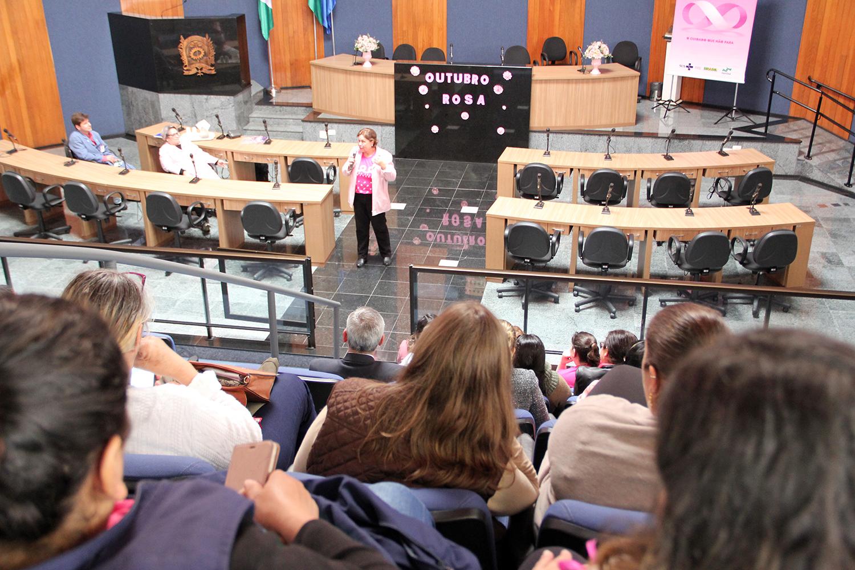 Câmara recebe abertura do Outubro Rosa no município